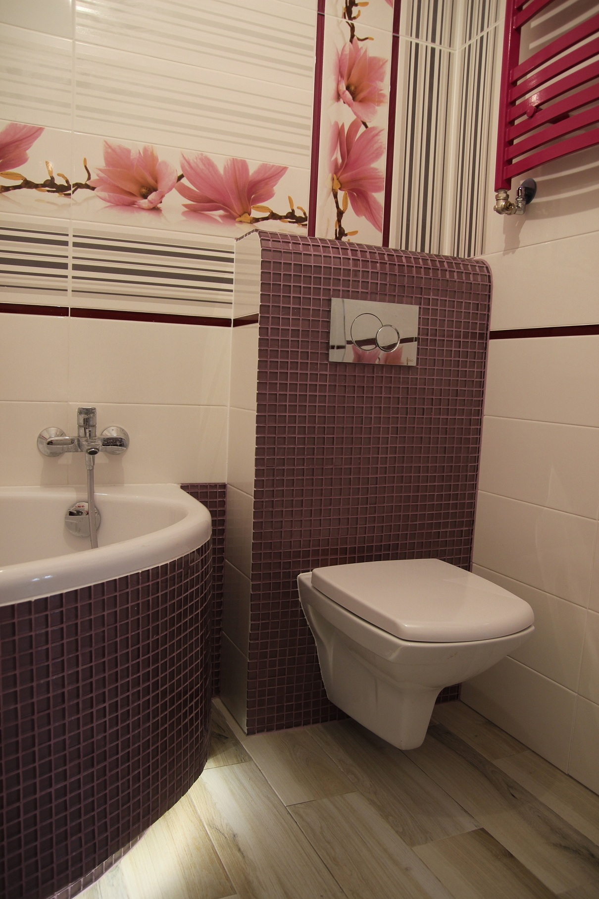 mozaika zabudowa WC
